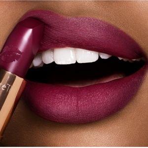 Charlotte Tilbury matte lipstick, Hels Bels
